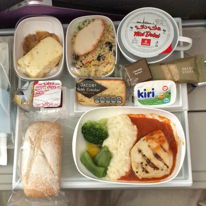 エミレーツ航空の4回目の機内食
