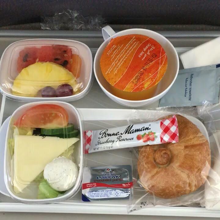 エミレーツ航空の3回目の機内食