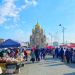 ウラジオストク中央広場から見える教会