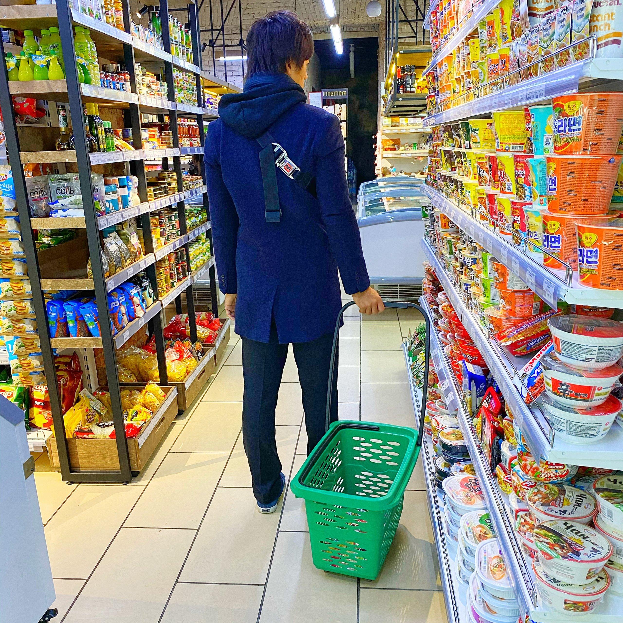 ウラジオストクのスーパーチコミニマルケトの店内