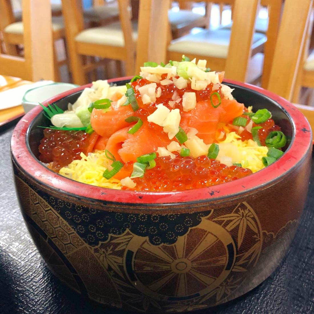 富山でランチした海鮮親子丼