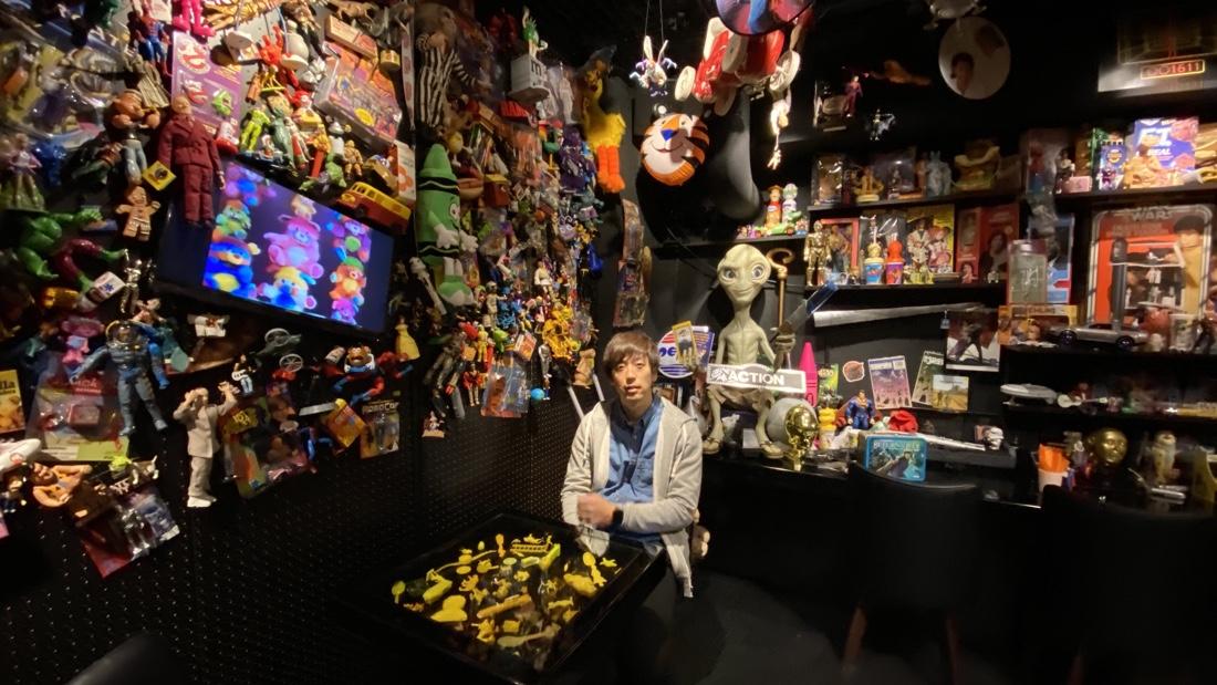 新宿の映画カフェノップのおもちゃたち