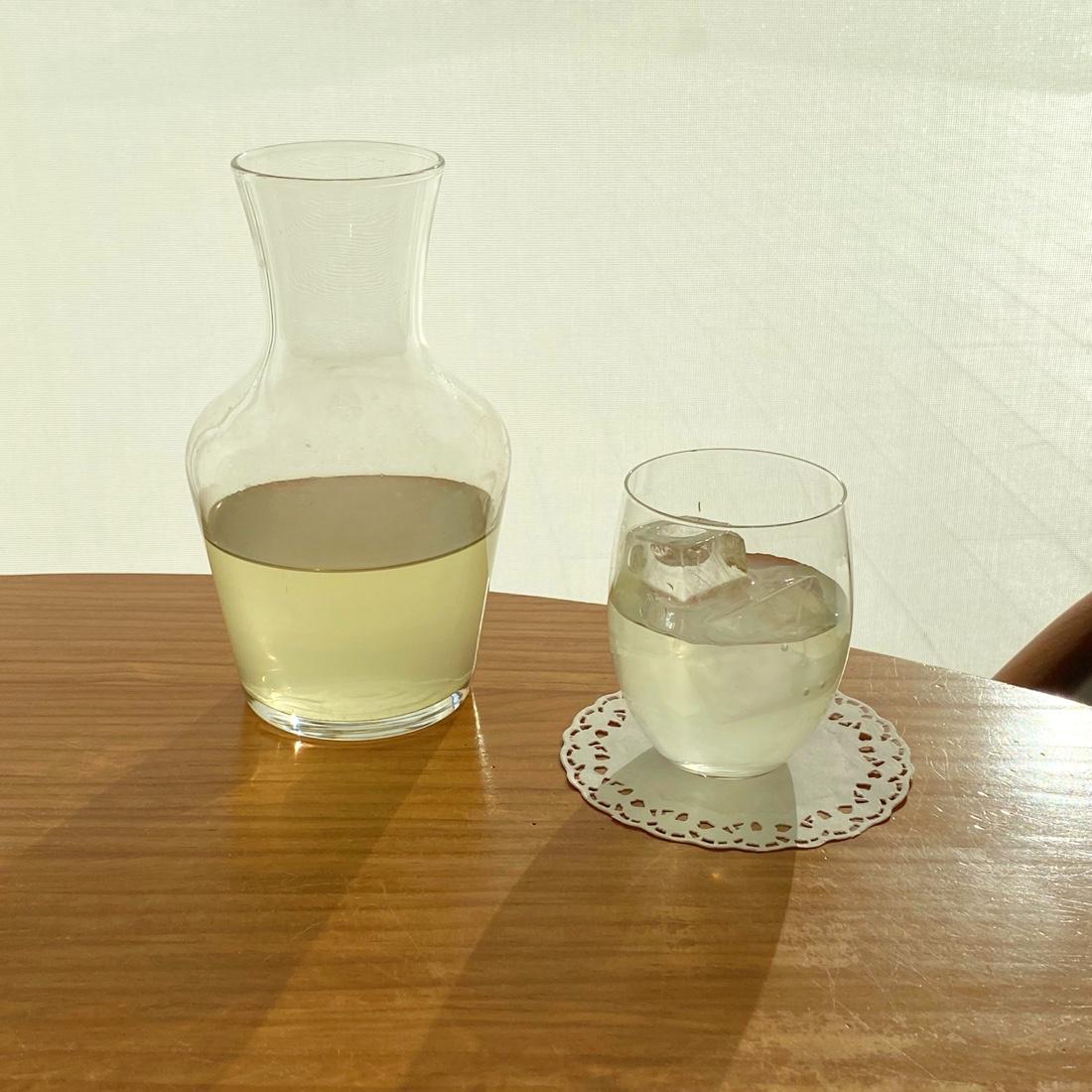 築地本願寺カフェ紬の冷茶